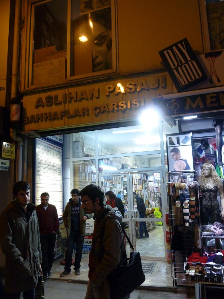 Aslıhan Pasajı Book Market